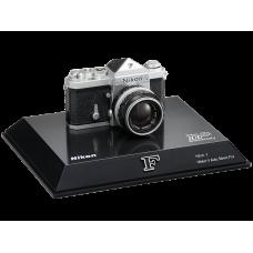 Миниатюрная юбилейная модель фотокамеры Nikon F 100th Anniversary